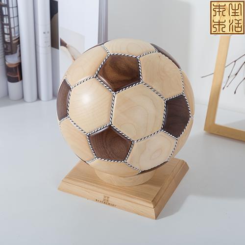 手工创意拼接实木足球